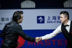 Ronnie O'Sullivan battles back from the brink to reach Shanghai Masters Semi-Finals