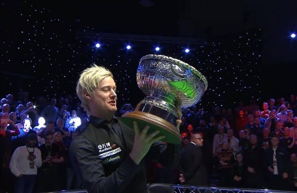 Robertson gets his hands on the trophy for the second time (credit:ITV Sport)