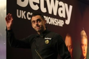 O'Sullivan and Trump make perfect start as Murphy crashes out of UK Championship
