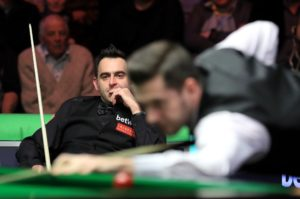 """Mark Selby tried to """"gain an advantage"""" in World Championship final believes Ronnie O'Sullivan"""