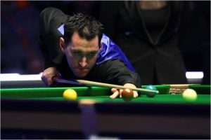 Home favourite Tom Ford survives scares to progress in Championship League